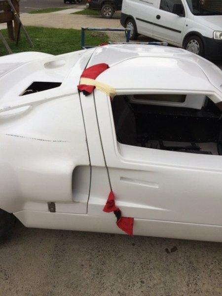 Ford-GT40-door